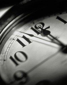 Les pires et les meilleures excuses pour justifier les retards au travail...  dans *En vrac* 10159706-clock-time-before-midnight-countdown-gettyimages-236x300